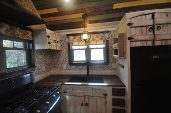 Full size sink and stove